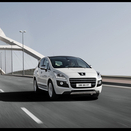 Peugeot 3008 HYbrid4 sells out in 9 days