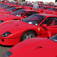 Silverstone Parade Brings 60 F40s to the Track