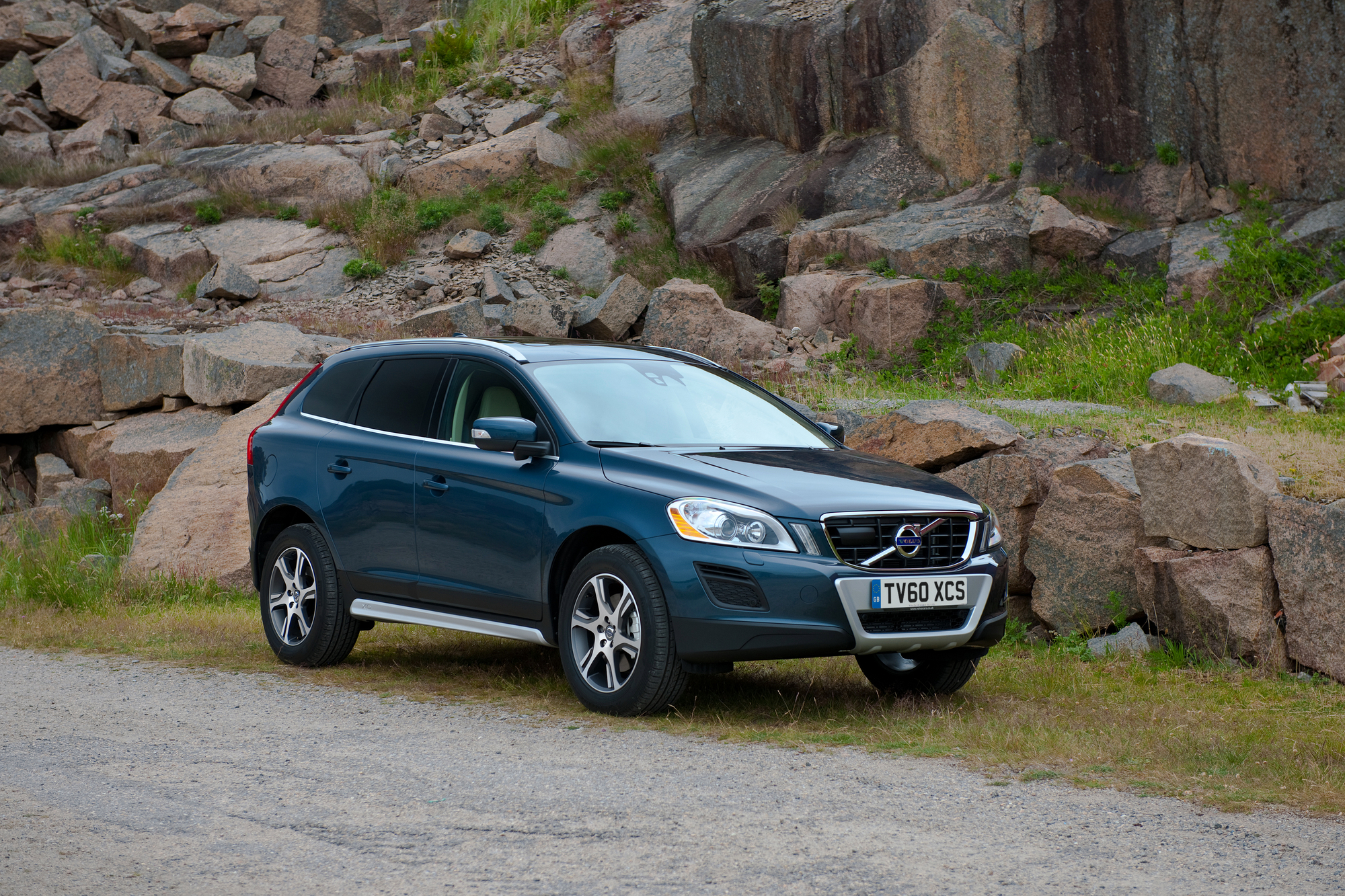 volvo xc60 d4 awd kinetic geartronic slideshow. Black Bedroom Furniture Sets. Home Design Ideas