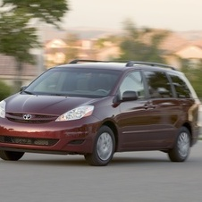 Toyota Sienna LE FWD with 7 Passenger Seating