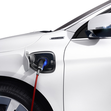 Volvo XC60 Plug-in Hybrid to be Revealed in Detriot