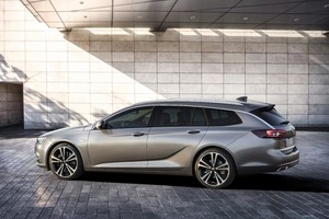 The new Opel estate flagship is 100kg lighter but still has an increased trunk volume
