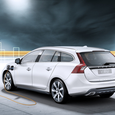 Volvo Plans Diesel, Plug-in Hybrid V60 for 2012