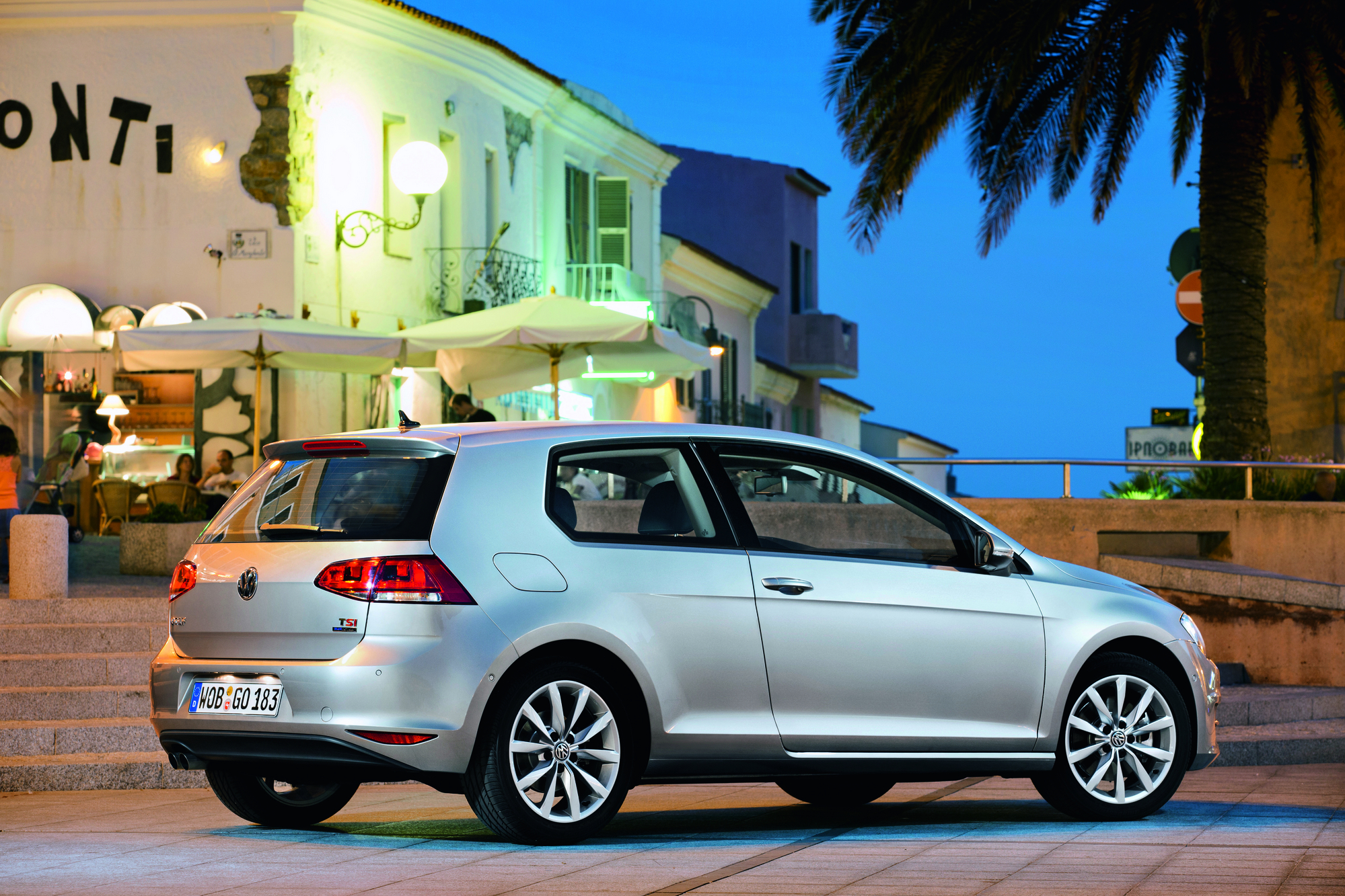 Volkswagen Golf 2.0 TDI CONFORTLINE First Edition