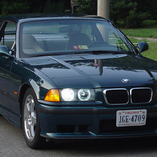 BMW 323i Coupé Automatic