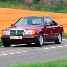 Mercedes-Benz 220 CE AT