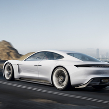 The Mission E allows its use in everyday life thanks to an announced range of 500km on a single charge