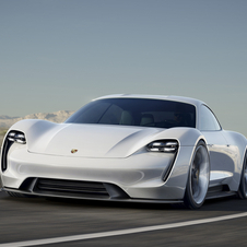 With the Mission E, Porsche presents the first four-door all-electric sports car of its history
