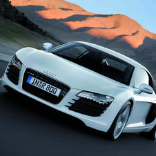 Audi R8 4.2 Coupe quattro with Auto R tronic