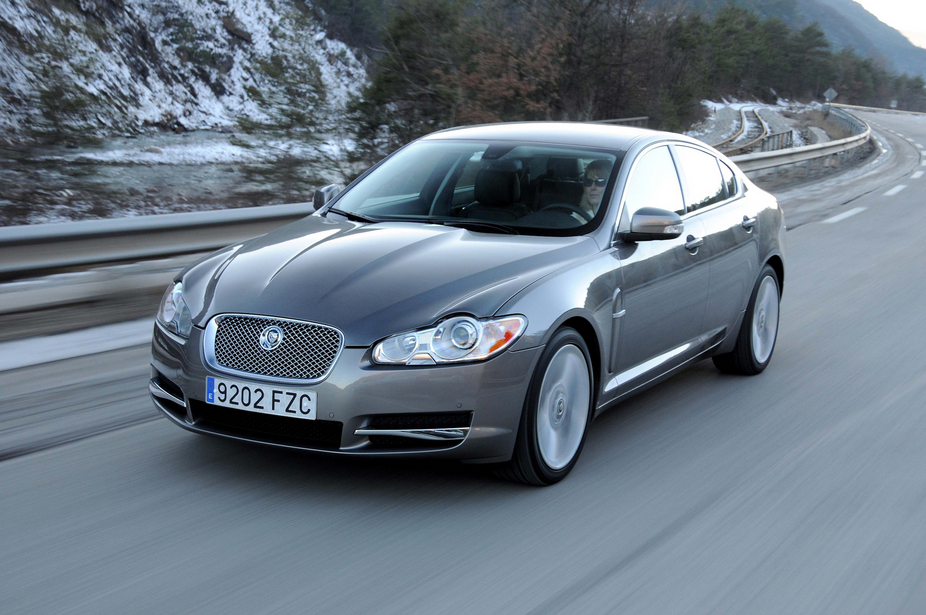 photo courtesy of: Jaguar. Jaguar XF 3.0D V6 211cv Premium Luxury