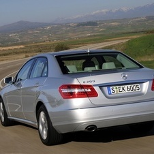Mercedes-Benz E 200 CGI BlueEFFICIENCY