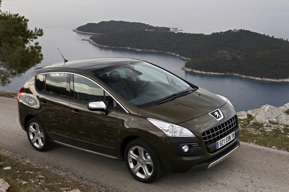 peugeot 3008 executive 2 0 hdi fap 1 photo and 62 specs. Black Bedroom Furniture Sets. Home Design Ideas