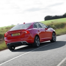 Volvo S60 1.6 T4 R-Design Momentum Powershift