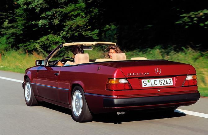 mercedes benz 300 ce 24 cabriolet at photo mercedes. Black Bedroom Furniture Sets. Home Design Ideas