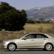 Mercedes-Benz E 250 CGI BlueEFFICIENCY