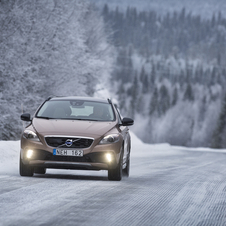 The V40 will be offered with all-wheel drive with two engine options