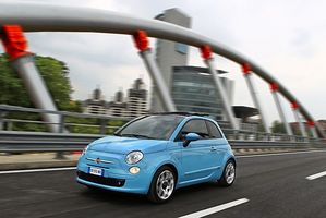 Fiat 500 1.4 Multiair Lounge AT (US)