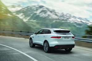 The diesel and V6 petrol complete the range of the F-Pace, both receiving standard all-wheel drive and an automatic eight-speed
