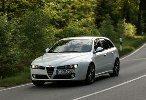 Alfa Romeo 159 Sportwagon 1750 TBi Lusso :: 2 photos and 9 specs ...