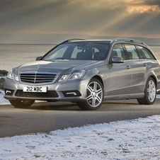 Mercedes-Benz E 350 BlueEfficiency T-Modell 4Matic 7G-Tronic