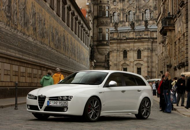 alfa romeo 159 sportwagon 2 0 jtdm 170 ti photo alfa romeo gallery 348 views. Black Bedroom Furniture Sets. Home Design Ideas