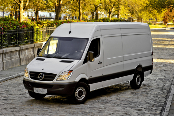 mercedes benz sprinter kastenwagen 316 cdi short 3 5t 1 photo and 9 specs. Black Bedroom Furniture Sets. Home Design Ideas