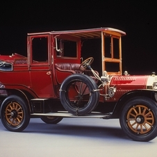 The 24/40hp landaulet had a semi-exposed driver and enclosed passenger compartment