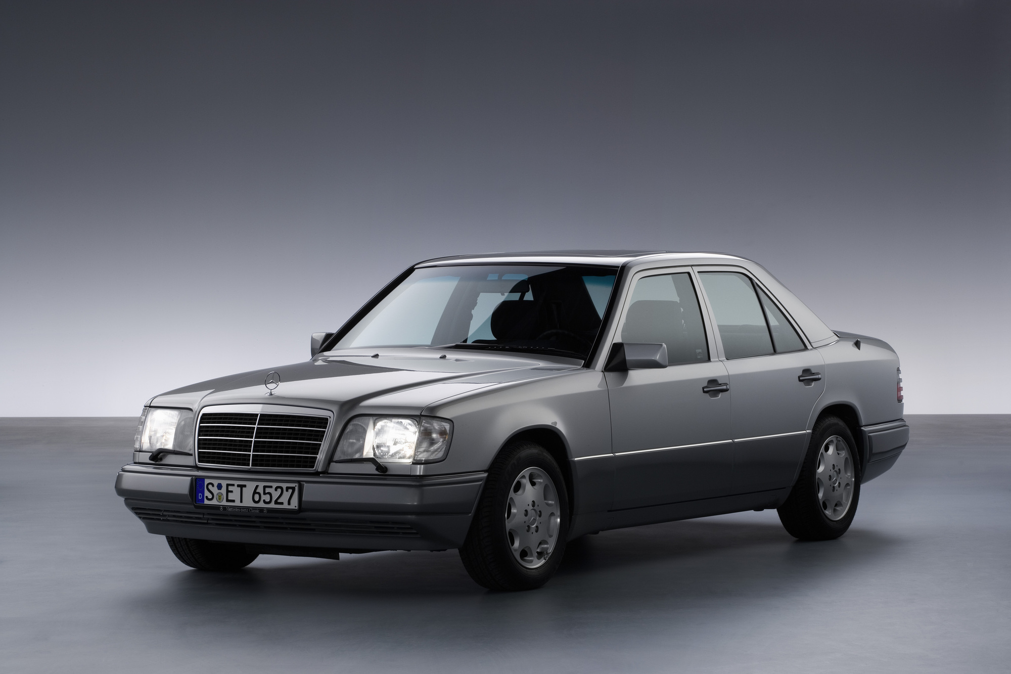 Image gallery mercedes 300 e for Biggest mercedes benz