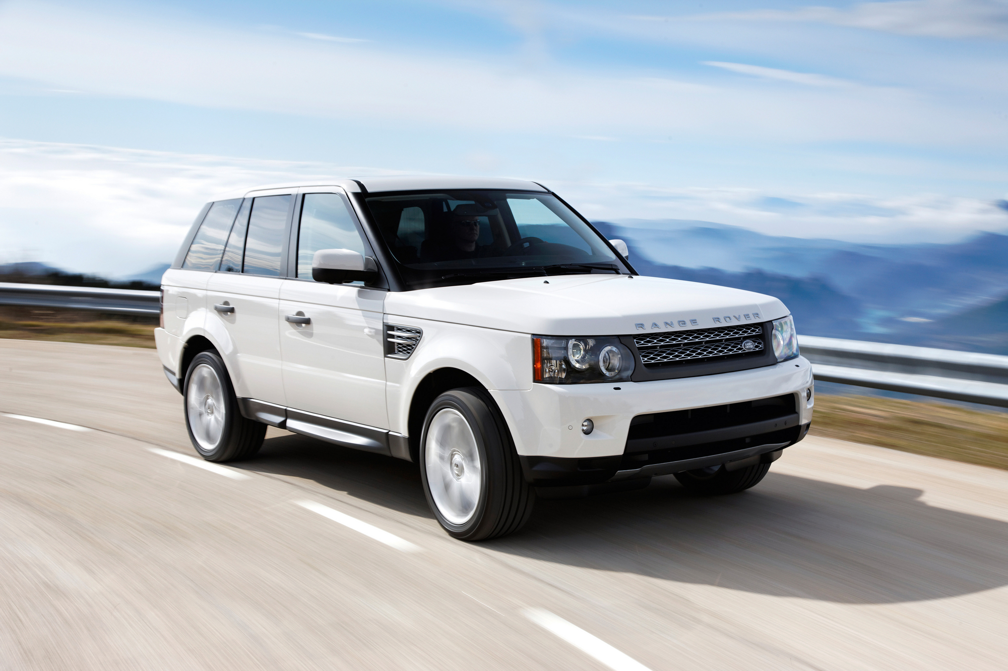 land rover range rover sport 5 0 v8 supercharged autobiography slideshow. Black Bedroom Furniture Sets. Home Design Ideas