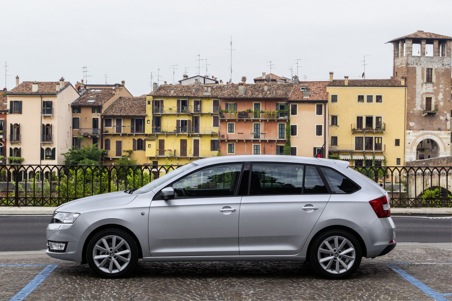 Skoda Rapid Spaceback Turns the Rapid Into a Hatchback :: News ...