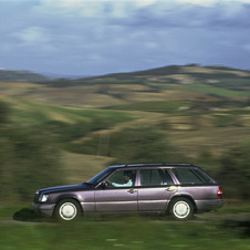 Mercedes-Benz 320 E AT