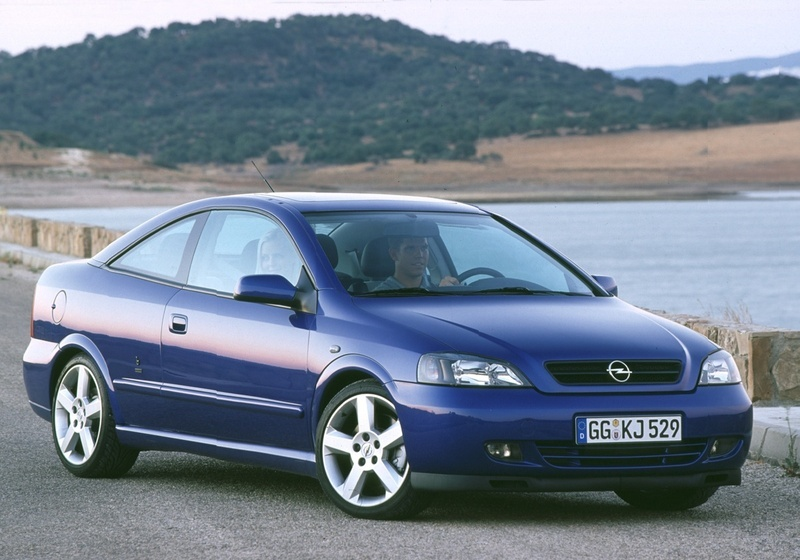 opel astra coupe 2 2 16v 1 photo and 47 specs. Black Bedroom Furniture Sets. Home Design Ideas