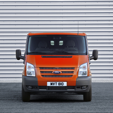 Ford Transit Chassis Cabina Simples 470 L5 2.2TDCi H1 Tr Traseira Rod Duplo