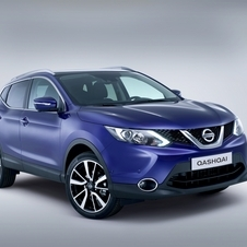 The second generation Qashqai gets Nissan's new V-shaped corporate face