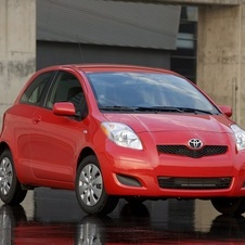 Toyota Yaris Liftback 3-Door AT