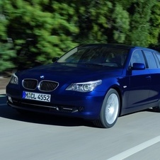 BMW 520i Touring Executive (E61)