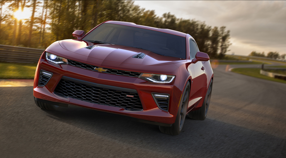 The new Camaro generation has a new set of dimensions which immediately differentiates it from the outgoing fifth generation