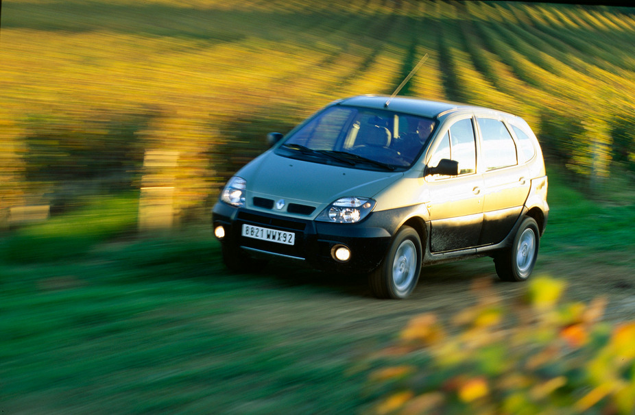 photo courtesy of: Renault. Renault Scenic RX4 1.9 dCi. basic info