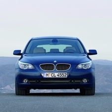 BMW 530i xDrive Touring Executive (E61)