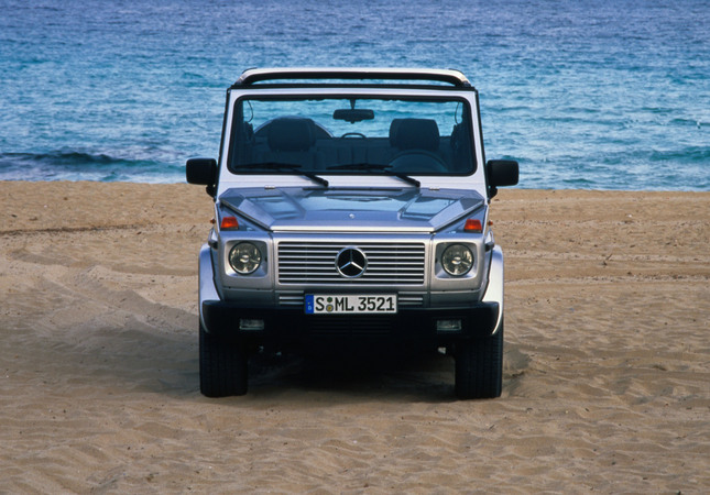 mercedes benz g 300 diesel cabrio photo mercedes benz g. Black Bedroom Furniture Sets. Home Design Ideas