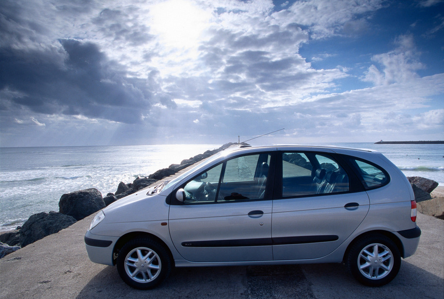 renault scenic 1 9 dti 1 photo and 68 specs. Black Bedroom Furniture Sets. Home Design Ideas