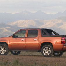Chevrolet Avalanche LS 2WD