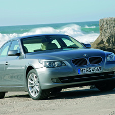 BMW 528i Automatic (US)