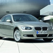 BMW 330i xDrive Coupe (E92)