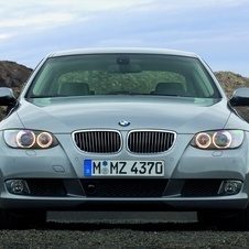 BMW 325i xDrive Coupe (E92)