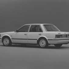 Nissan Bluebird Maxima Sedan V6 Turbo Legrand