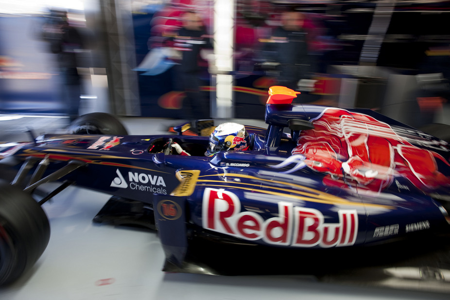 Vettel Leads Day in Formula 1 Barcelona Test, Lotus Pull Out Due to Chassis Flaw