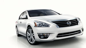 5th Generation Nissan Altima Bringing High Economy at Low Price