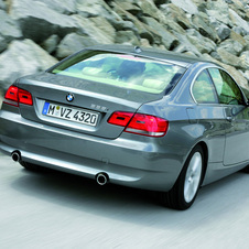 BMW 335i xDrive Coupe Auto (E92)