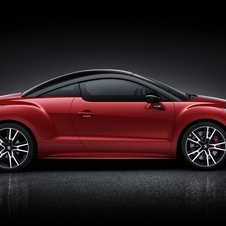 The RCZ R gets a black roof, black wheel arches and larger wheels